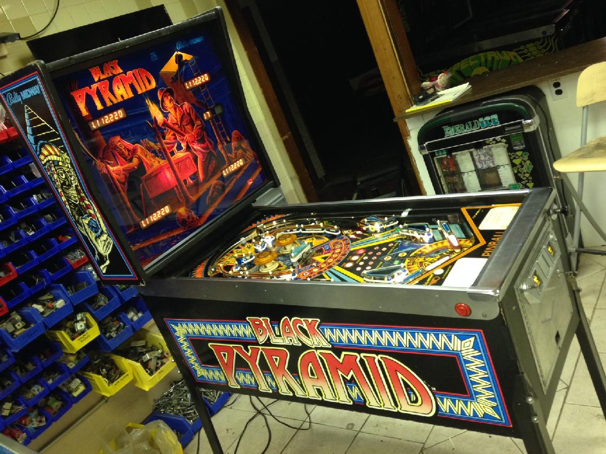 1984 Bally Black Pyramid at Ann Arbor Michigan Pinball Museum VFW, info/pictures