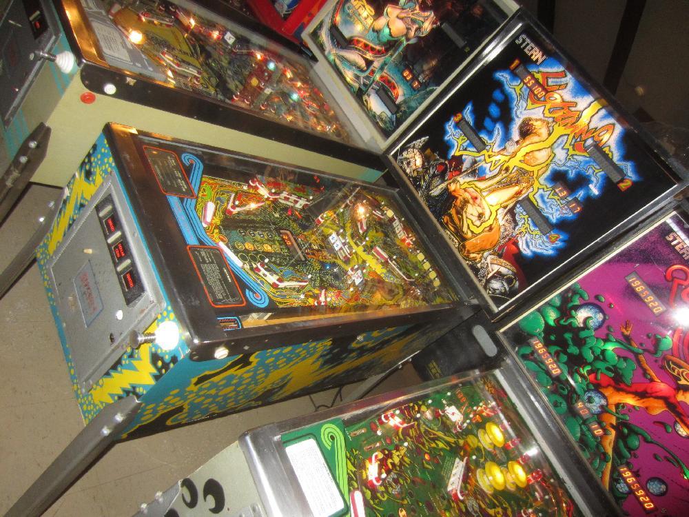 stern lightning pinball machine